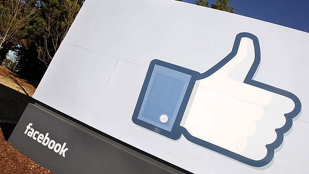 Users' Facebook likes shared with advertisers