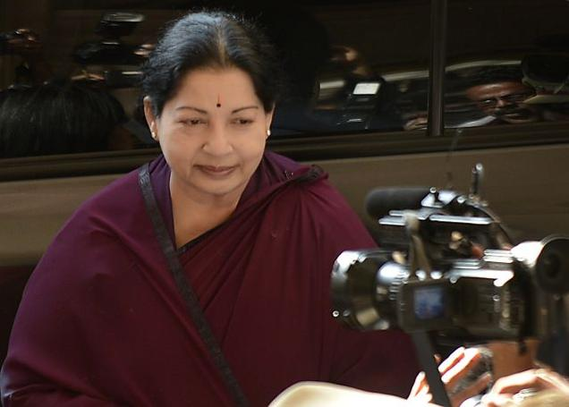 Jayalalithaa condemns hike in petrol price