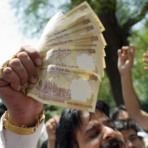 Rupee down 21 paise Vs dollar in early trade
