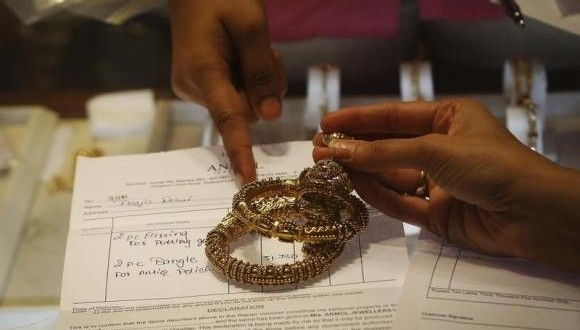 RBI allows private agencies to import gold
