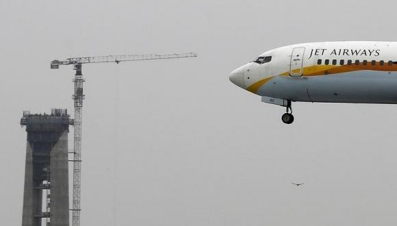 Jet Airways shares slump after record quarterly loss