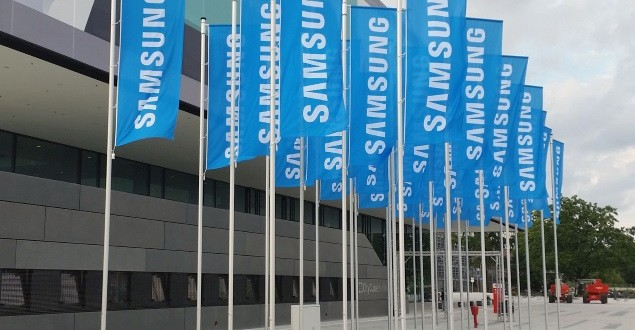 Samsung to launch Apple Pay rival with Galaxy S6 Report