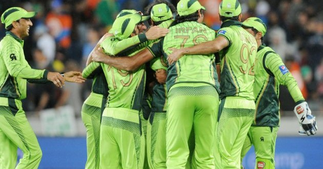 Pakistan back in the hunt with stunning win over South Africa