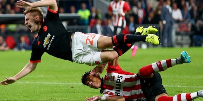 Manchester United go down 1-2 to PSV Luke Shaw suffers double leg fracture