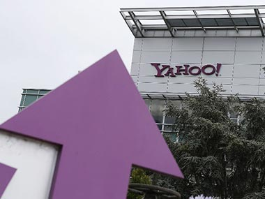 Verizon to announce $5 bn deal to buy Yahoo today: source