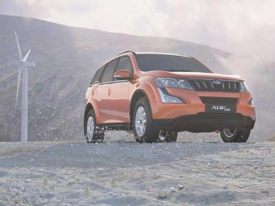 Mahindra XUV500 gets push button start, passive keyless entry