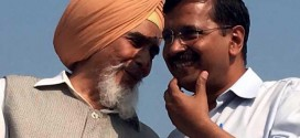 AAP Stung In Punjab, Video Allegedly Shows Leader Taking Money From Candidate