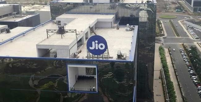 Reliance Jio Counters Airtel's Claim Of 'Tsunami Of Free Traffic'