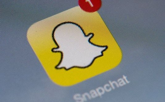 Snap out of it, Facebook! Snapchat clones rile Messenger, WhatsApp users
