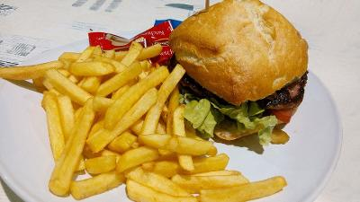 Maharashtra bans junk food in school canteens, cites obesity fears
