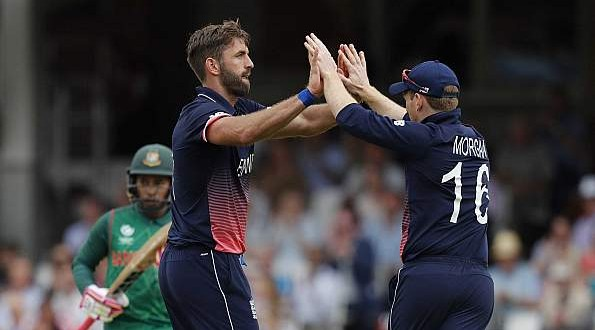 Death bowling plays major role in England's win