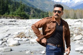 Suriya shoots for a train sequence for Kaappaan in Orissa